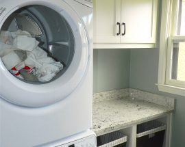 Brune Kitchen Laundry Room